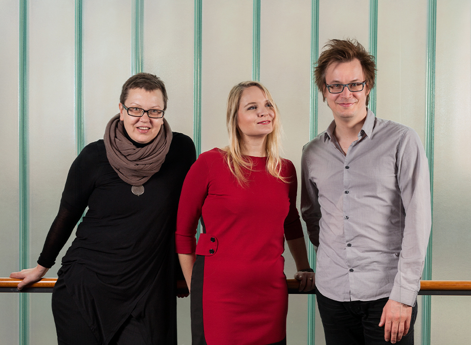 Puppet theatre opera's director Anna Ivanova-Brashinskaya with the composers Maria Kallionpää and Markku Klami. Photo: Noora Isoeskeli 2016.