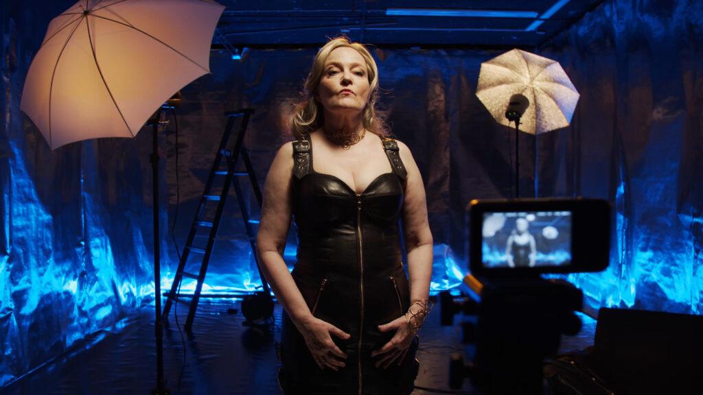 Actress Sari Lilliestierna as Barbarella – The Queen of Galaxy giving a speech in her studio. Cinematographer: Sami Sänpäkkilä 2020.